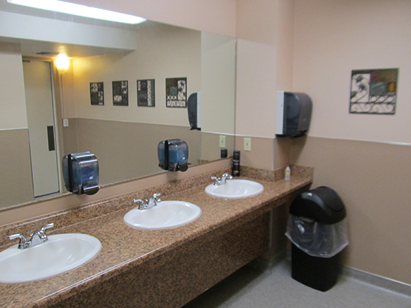 pacific pines rv park restrooms